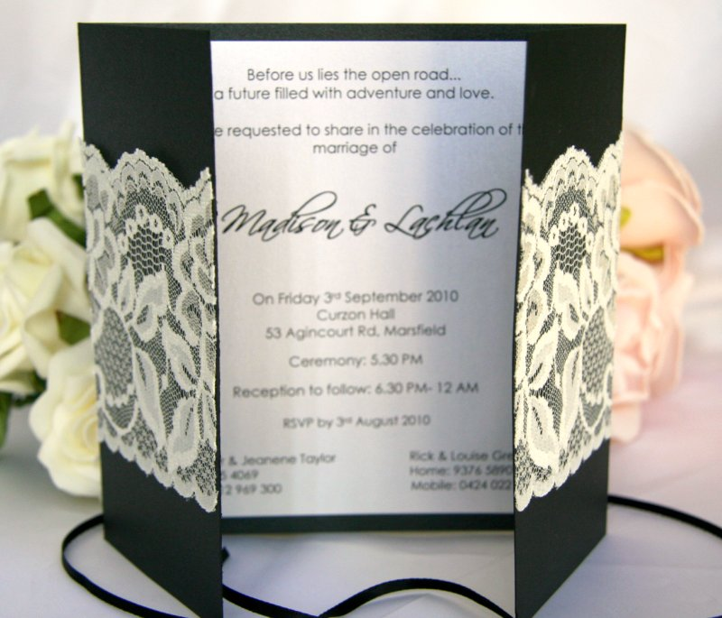 http://bstudioweddinginvitations.files.wordpress.com/2010/03/ebony_boudoir_lace_wedding_invitations_open.jpg